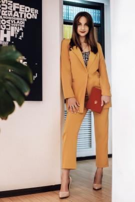 Женский костюм Natali Tushinskaya 0016 горчичный