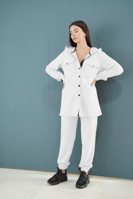 Женский костюм LadisLine 1328 молочный