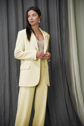Женский костюм LadisLine 1331 желтый
