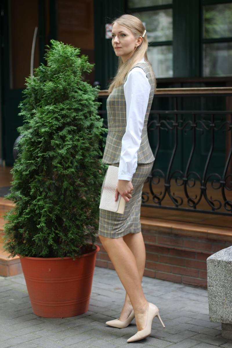 жилет,  рубашка,  юбка LeNata 31038 корич-с-жел-клетка